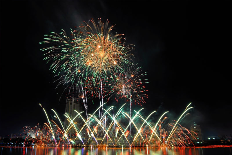 Da Nang to celebrate New Year 2018 with fireworks