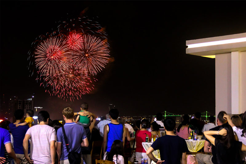 Enjoy Danang International Fireworks with BBQ party