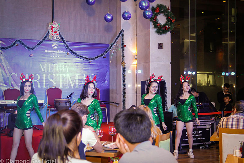 Wonderfull moments at Diamond Sea's Christmas Eve Party
